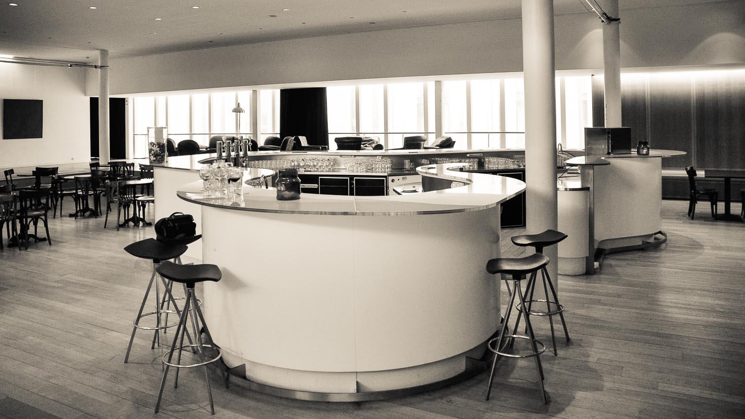 05-cafe-bar-resto-nightclub-decors-film-cinema-photo-belgium-bruxelles
