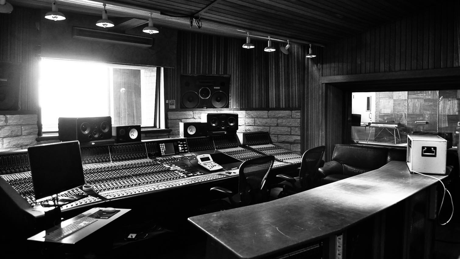 studios film photo music  u2022 16