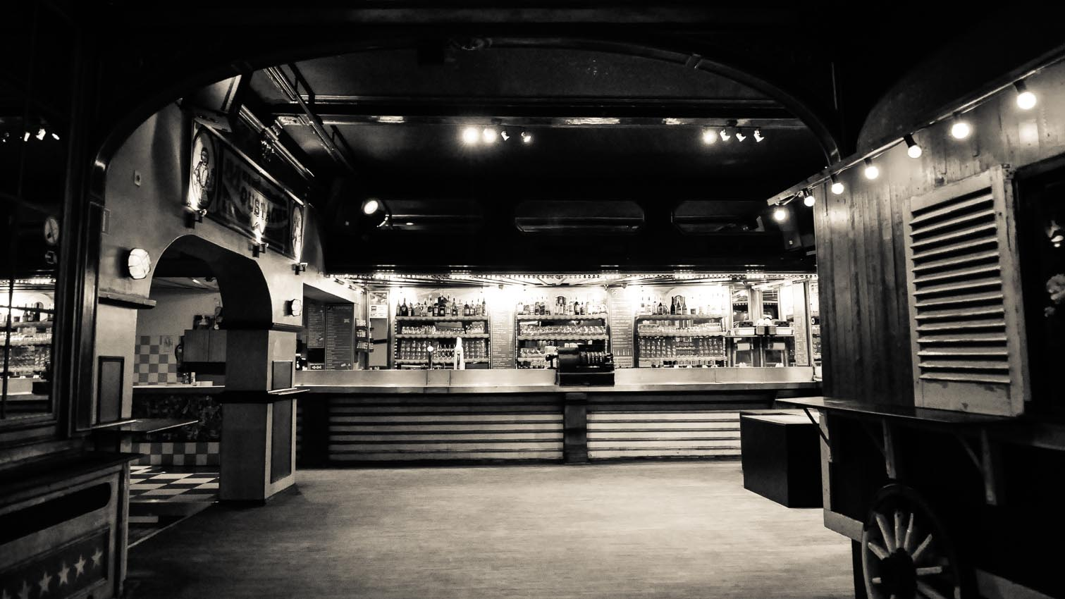 07-cafe-bar-resto-nightclub-decors-film-cinema-photo-belgium-bruxelles