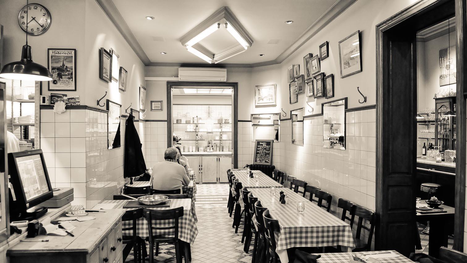10-cafe-bar-resto-nightclub-decors-film-cinema-photo-belgium-bruxelles