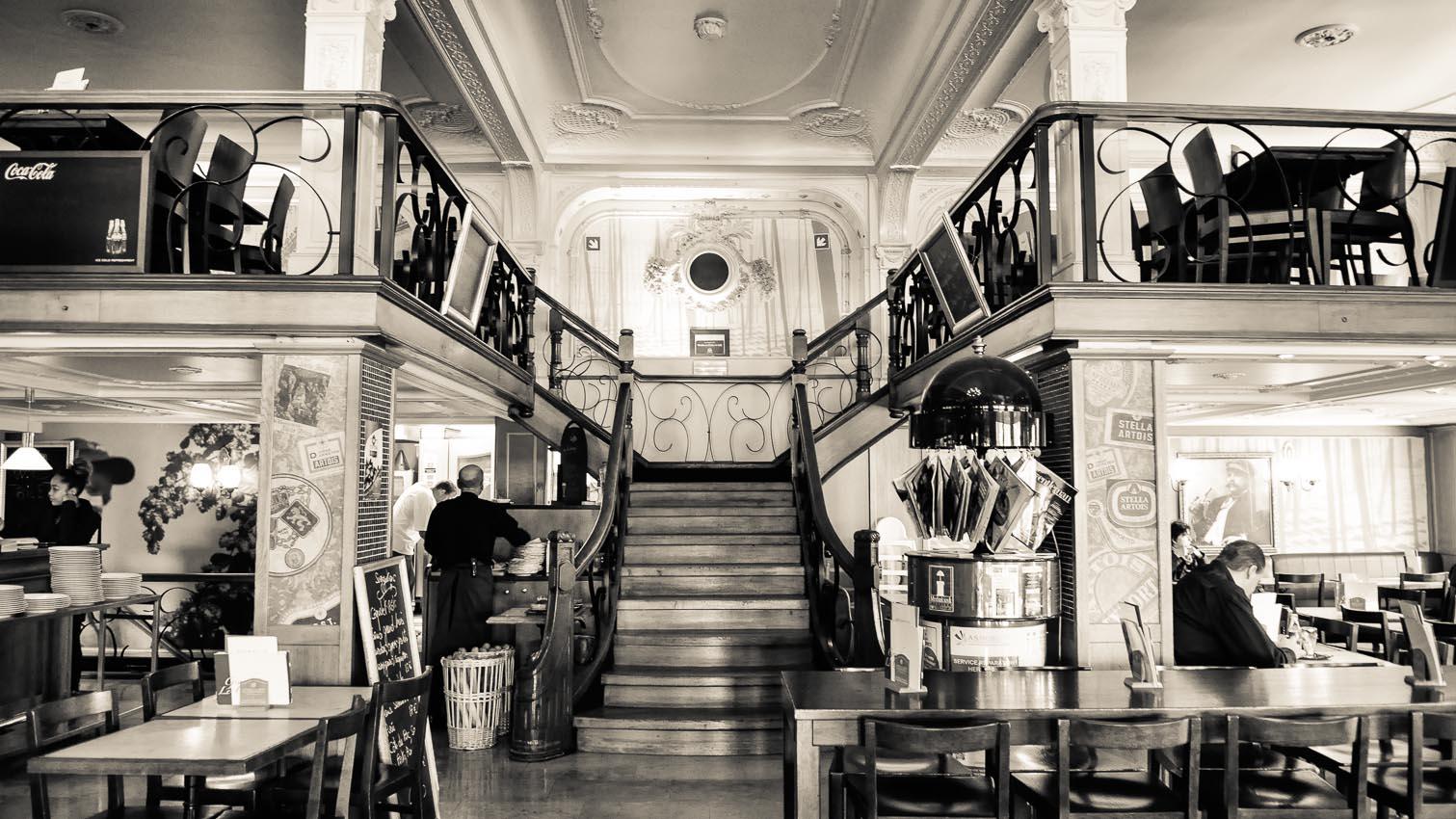 12-cafe-bar-resto-nightclub-decors-film-cinema-photo-belgium-bruxelles