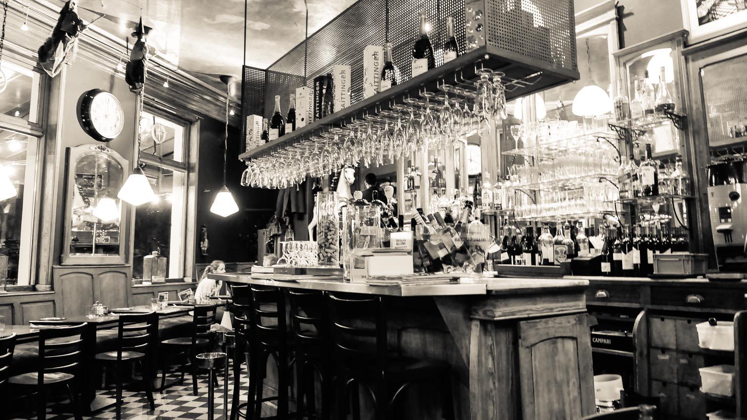 18-cafe-bar-resto-nightclub-decors-film-cinema-photo-belgium-bruxelles