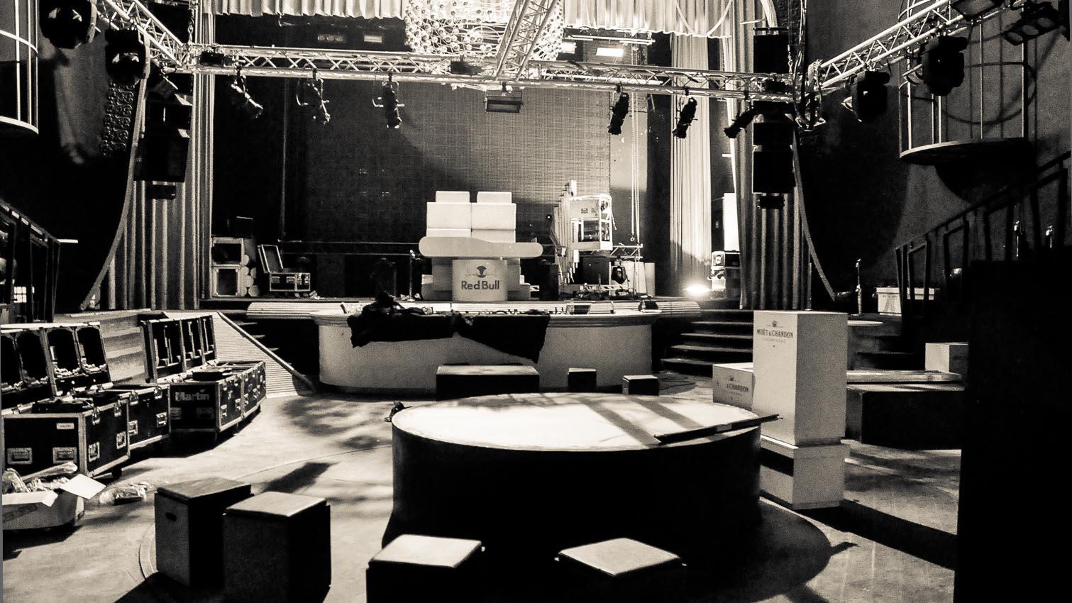 19-cafe-bar-resto-nightclub-decors-film-cinema-photo-belgium-bruxelles