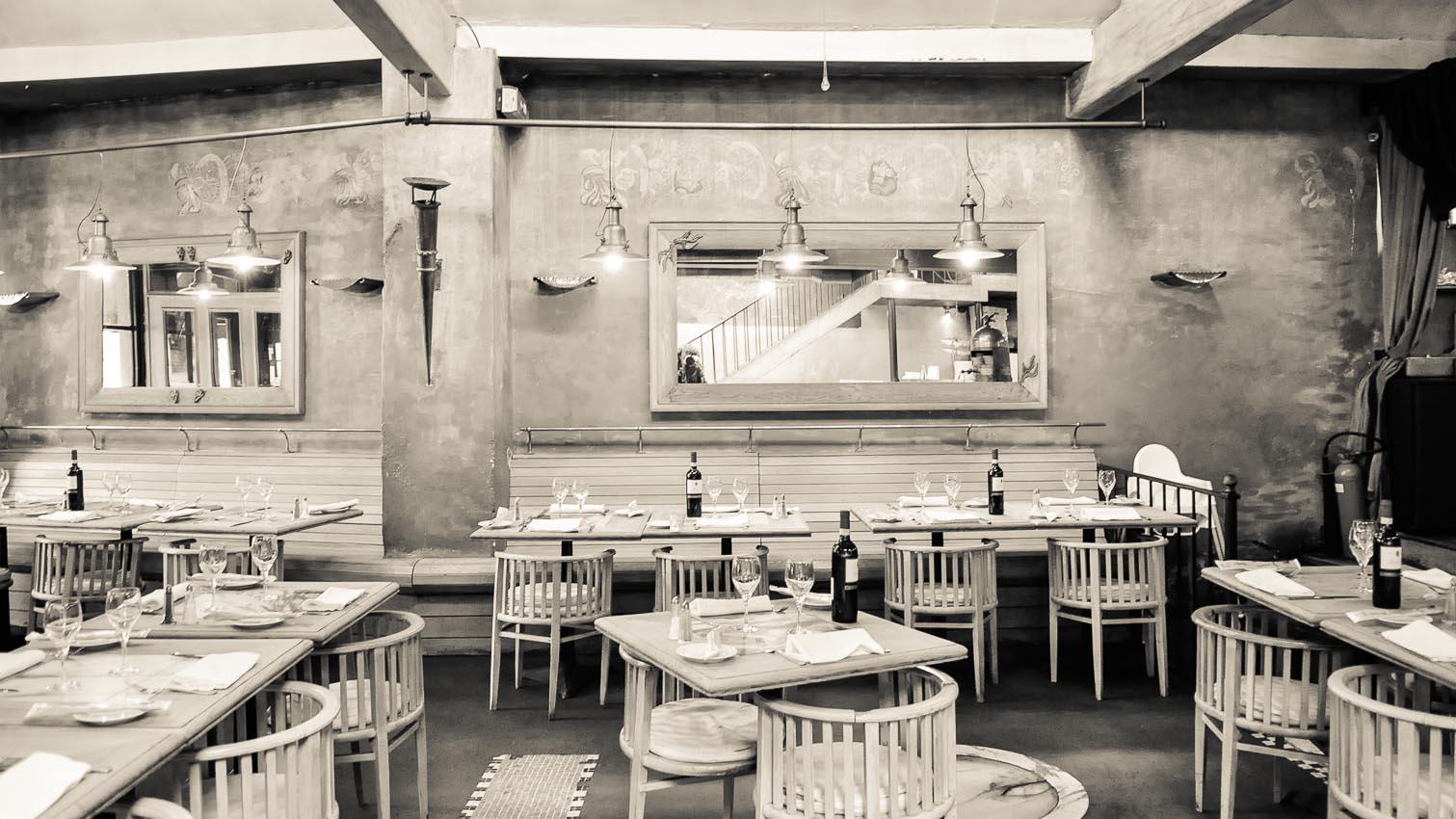 20-cafe-bar-resto-nightclub-decors-film-cinema-photo-belgium-bruxelles