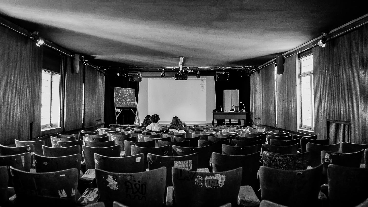 20-ecole-location-decors-film-cinema-photo-belgium-bruxelles