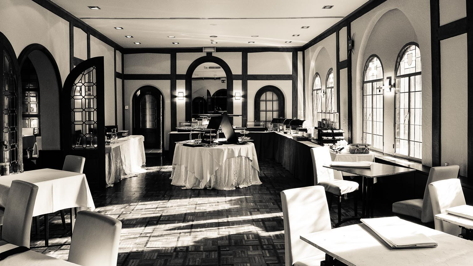22-cafe-bar-resto-nightclub-decors-film-cinema-photo-belgium-bruxelles