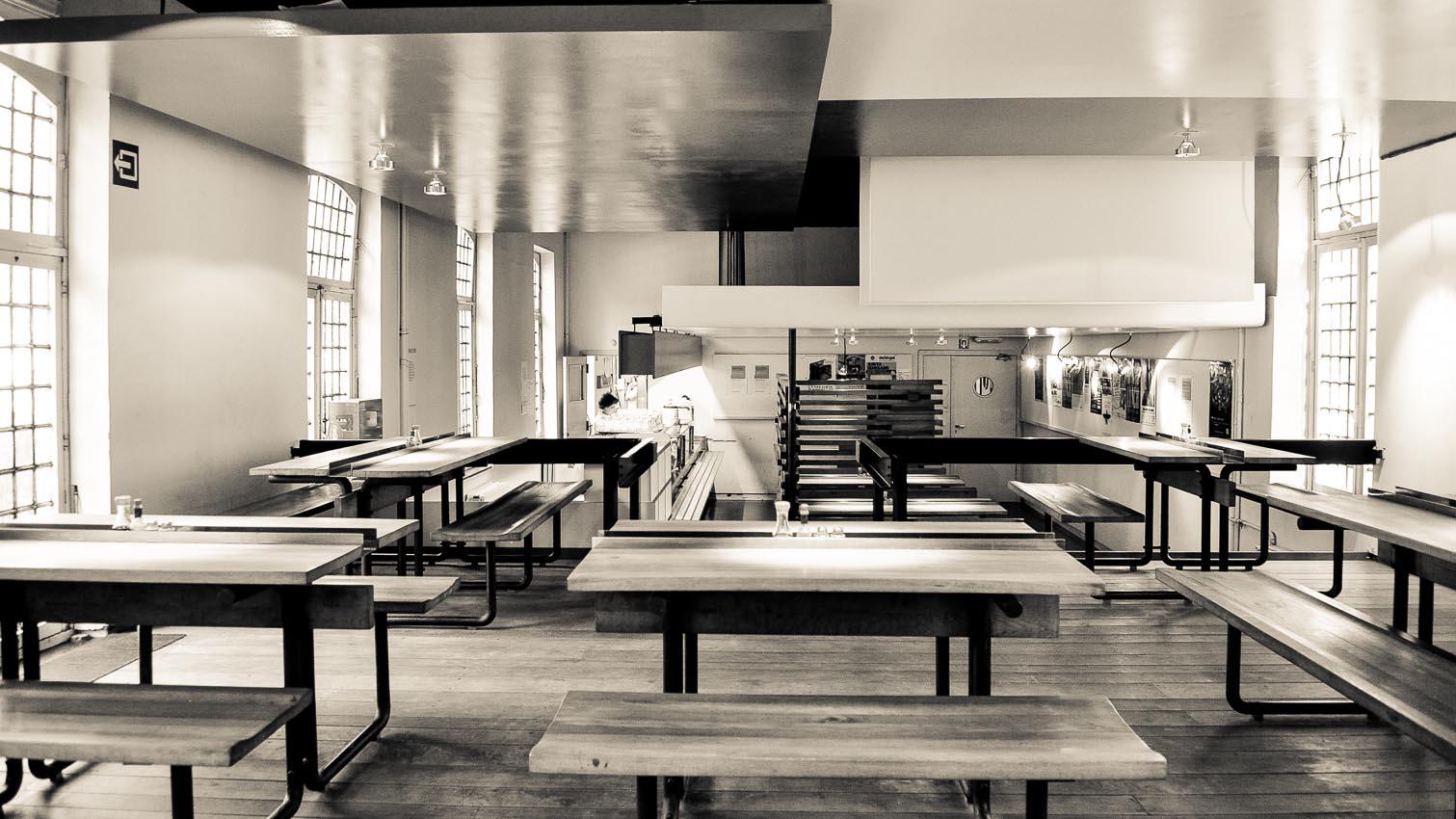 24-cafe-bar-resto-nightclub-decors-film-cinema-photo-belgium-bruxelles