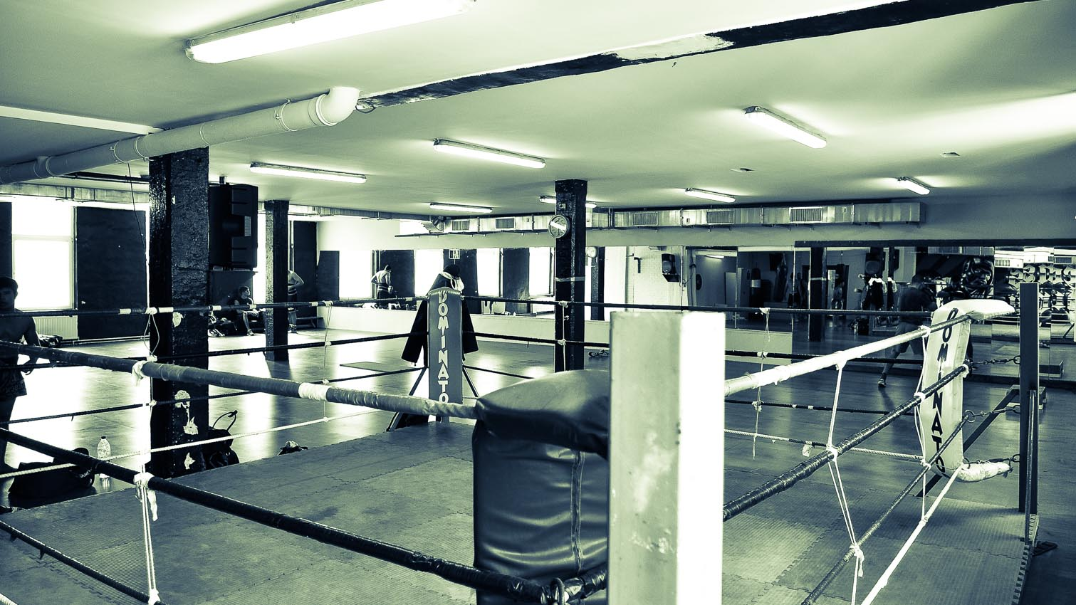 24-sport-boxe-billard-fitness-location-decors-film-cinema-photo-belgium-bruxelles