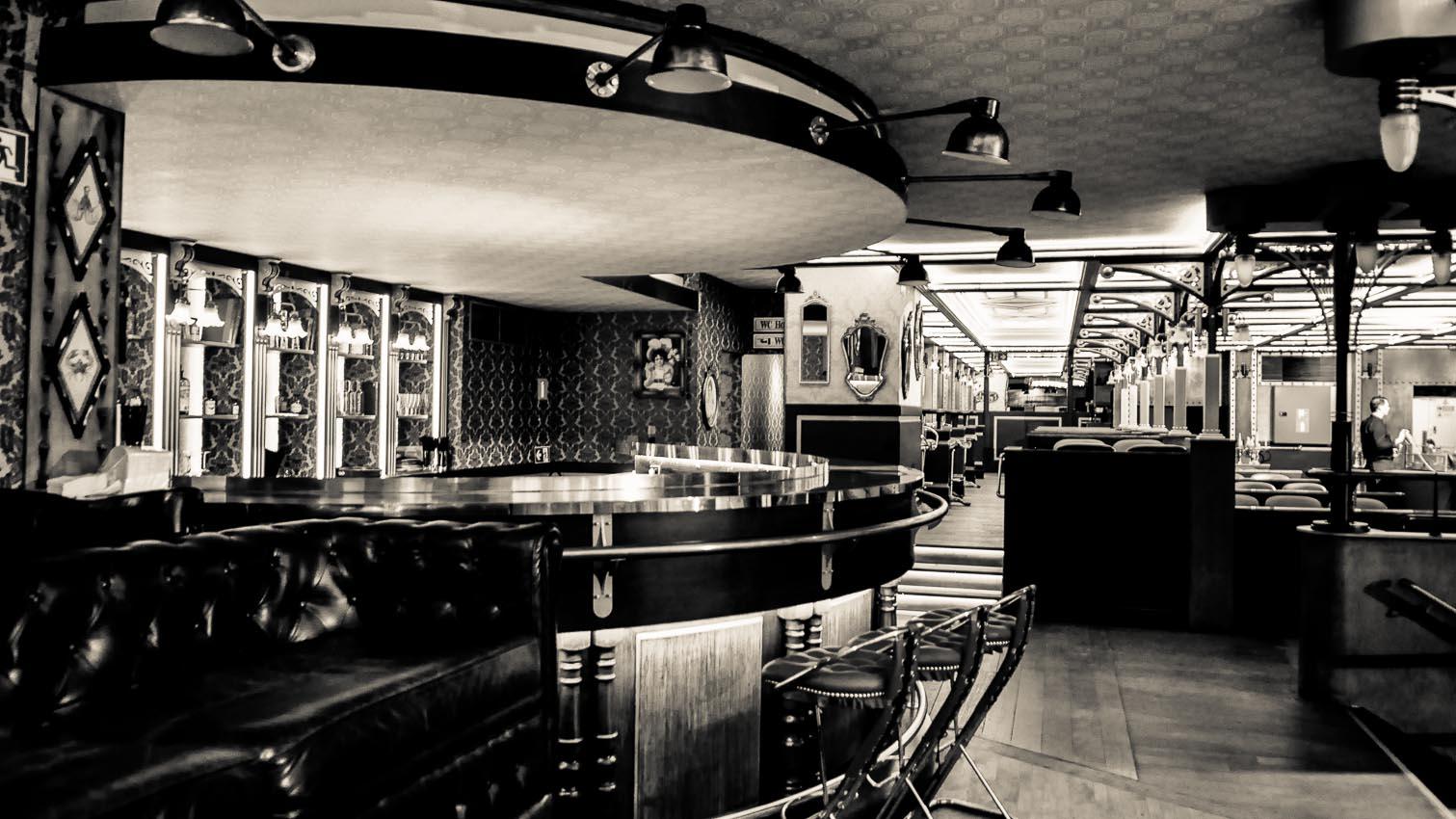 33-cafe-bar-resto-nightclub-decors-film-cinema-photo-belgium-bruxelles