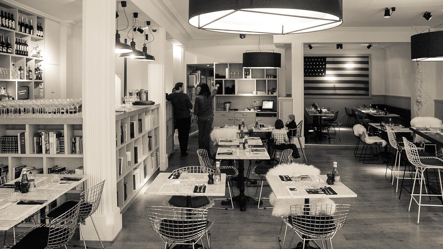 36-cafe-bar-resto-nightclub-decors-film-cinema-photo-belgium-bruxelles