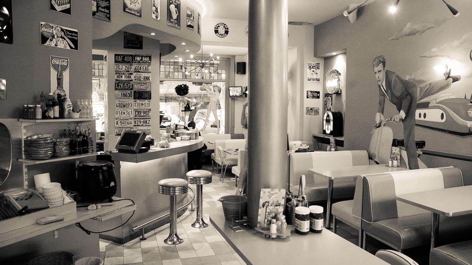 37-cafe-bar-resto-nightclub-decors-film-cinema-photo-belgium-bruxelles